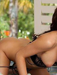 Sultry Veronica Saint big nipples