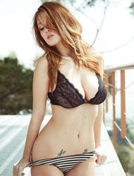 Leanna Decker Natural Tits