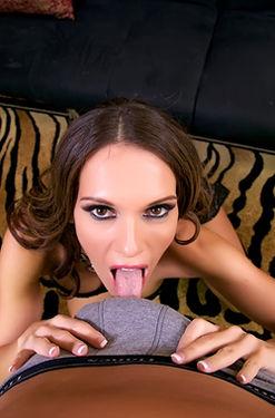 Jennifer Dark Hot Blowjob