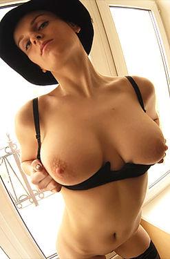 Julia F
