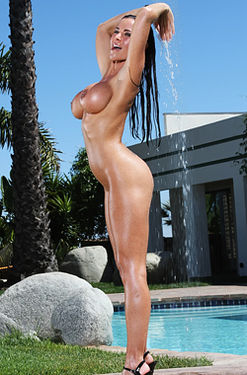 Laura Lee stunning outdoor shower