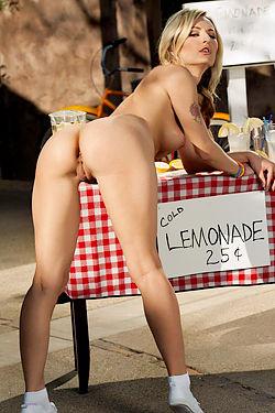 Natasha Starr Selling Lemonade Naked