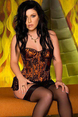 Taryn Thomas In Sexy Stockings