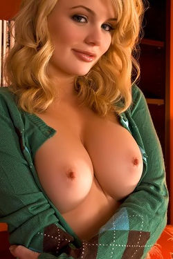 Alexis Ford Shows Off Her Perky Tits