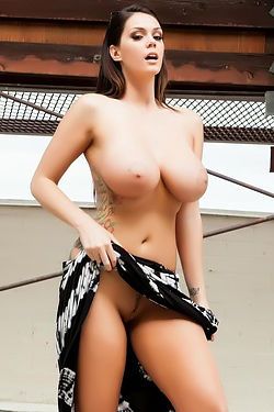 Alison Tyler Big Tits Flashing Outside