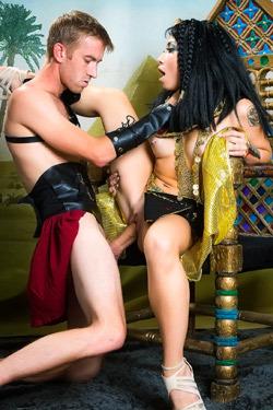 Rina Ellis As Cleopatra Fucked On A Trone