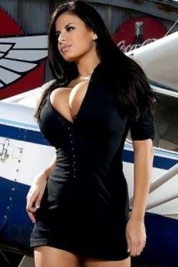 Huge breasted Wendy