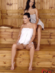 sauna nude girls